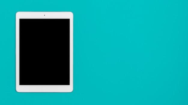 Tablette vue de dessus sur la table avec espace copie