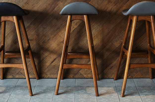 Tabourets de bar modernes en bois