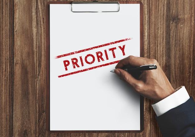 Tâches d'importance prioritaire l'efficacité d'urgence focus concept