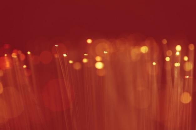 Taches rouges de poussière sur un écran sépia