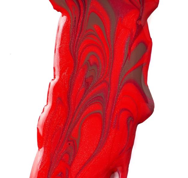 Taches de vernis à ongles rouges isolés sur fond blanc