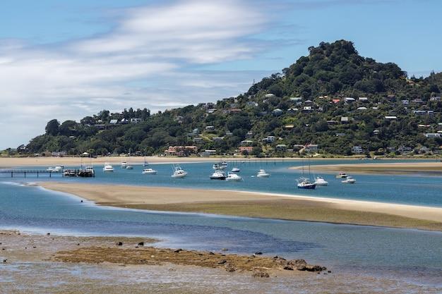 Tairua inlet en nouvelle-zélande