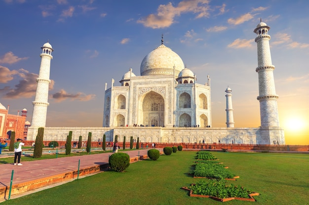 Taj mahal en inde, magnifique coucher de soleil, agra.