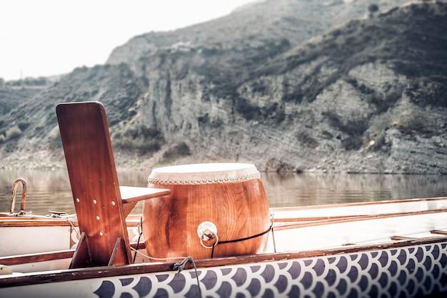 Tambour de bateau dragon utilisé pour les pagayeurs