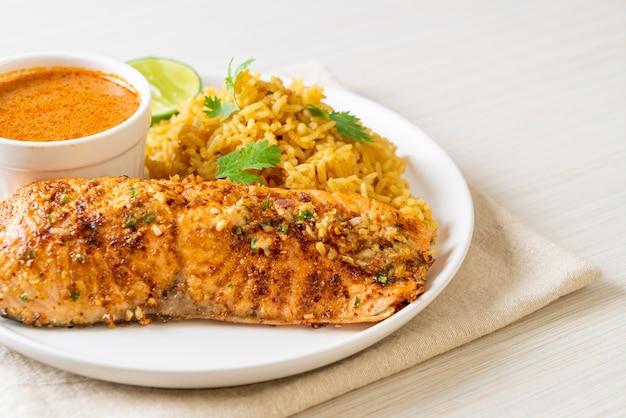 Tandoori de saumon poêlé avec riz masala - cuisine musulmane