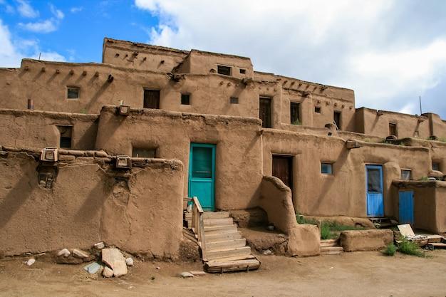 Taos pueblo au nouveau-mexique, usa