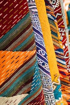 Tapis sur le marché au maroc