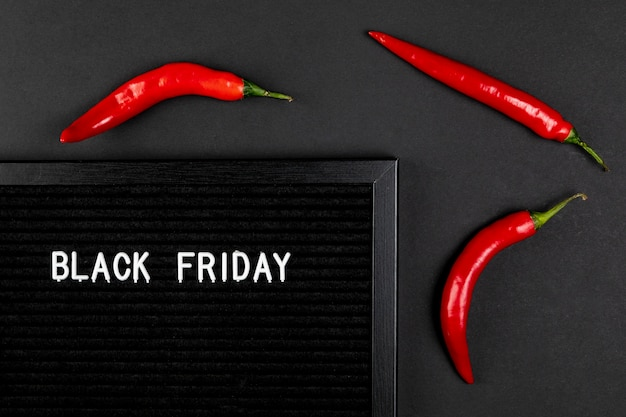 Tapis de vendredi noir avec des poivrons frisquets