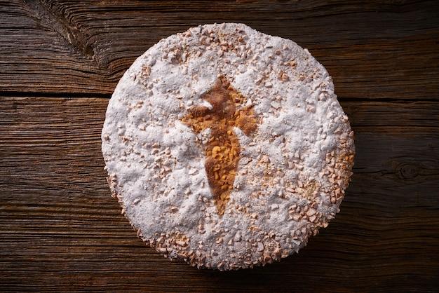 Tarta de santiago avec gateau aux amandes compostelle