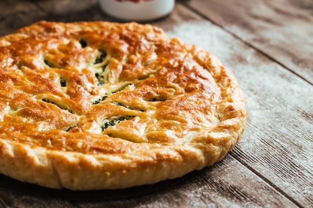 Tarte au four fraîche aux épinards et au fromage