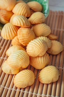La tarte aux ananas ou le gâteau aux ananas est une pâtisserie traditionnelle taïwanaise sucrée.
