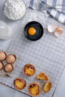 Tarte aux œufs, dessert traditionnel portugais.