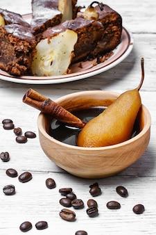 Tarte aux poires et café