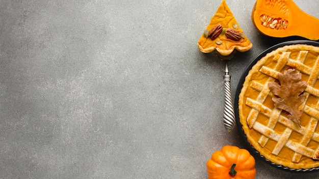 Tarte à la citrouille de thanksgiving avec espace copie