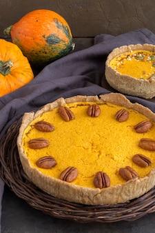 Tarte à la citrouille traditionnelle. gâteaux faits maison.