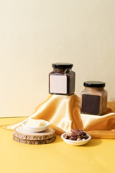 Tartinade au beurre d'amande et tartinade au beurre d'amande au chocolat