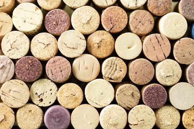 Tas de bouchons de vin