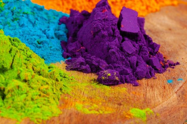 Un tas de couleurs placées en gros plan