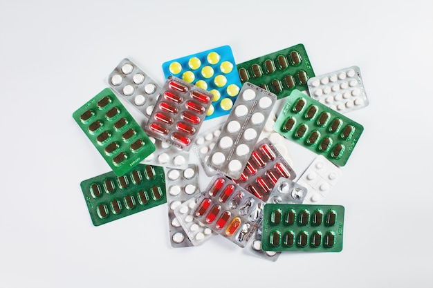 Tas de différentes sortes de médicaments