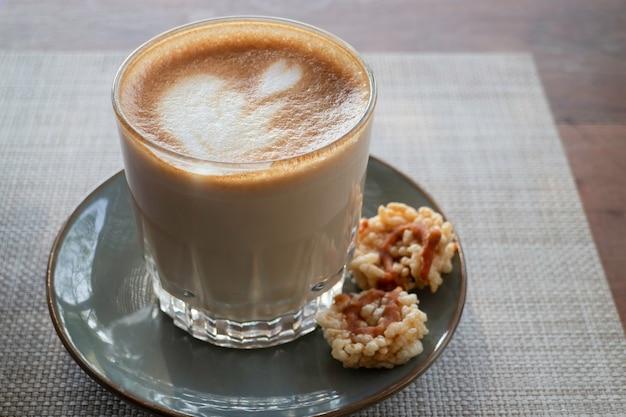 Tasse d'art café latte