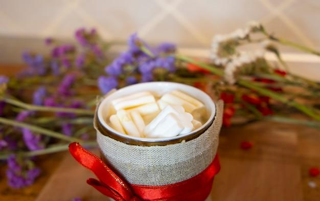 Tasse de cacao et de guimauve de joyeux noël