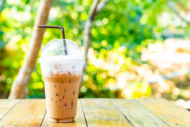 Tasse de café au lait glacé