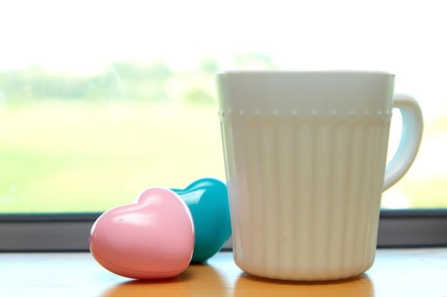 Tasse à café blanche coeur rose blanc