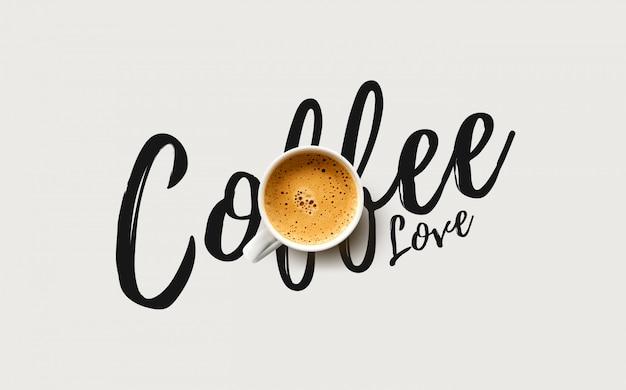 Tasse de café sur fond blanc