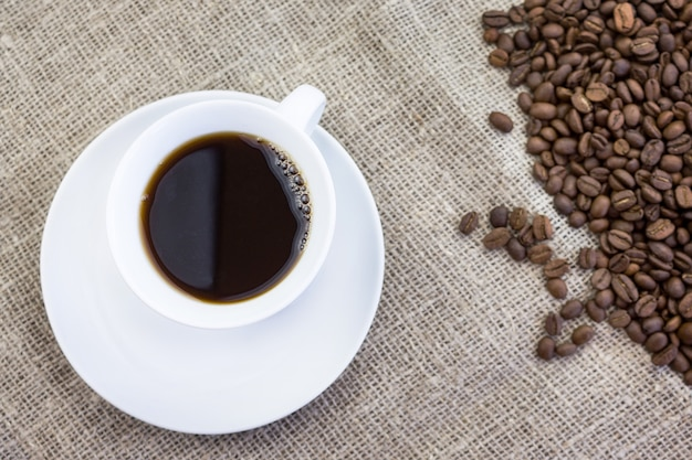 Tasse de café en jute