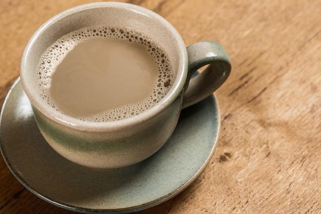 Tasse à café sur la table