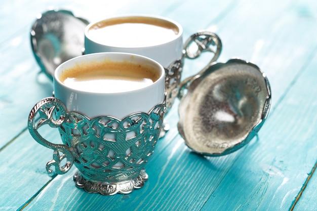 Tasse de café turc sur la table