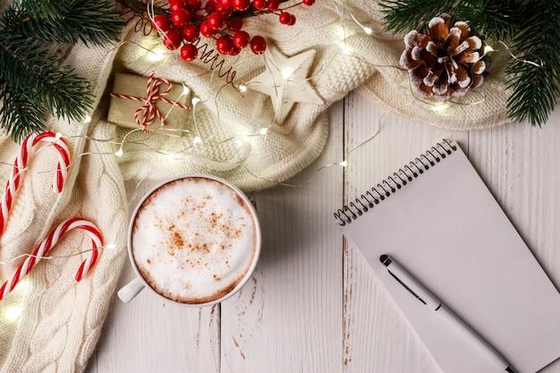 Tasse de cappuccino café chaud