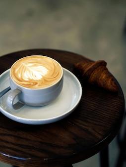 Une tasse de cappuccino