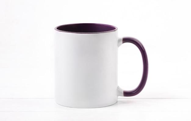 Tasse en céramique blanche