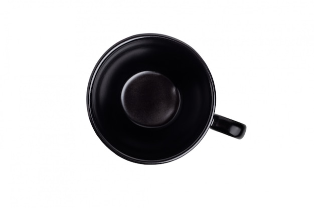 Tasse en céramique noire isolée
