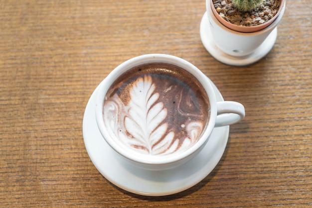Une tasse de chocolat au lait