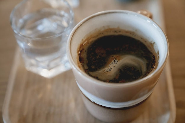 Tasse d'espresso, americano, café lungo au café. concept de rituels du matin.