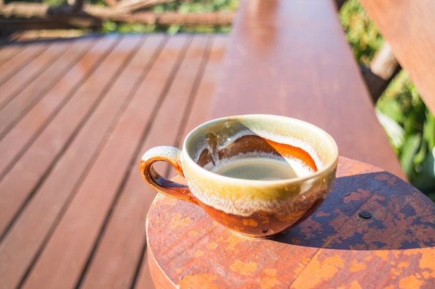 Tasse fraîche d'espresso chaud