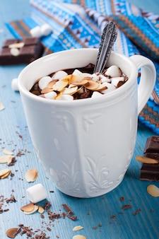 Tasse de lait au chocolat