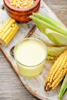 Tasse de lait de maïs