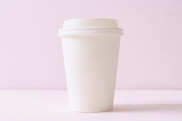 Tasse en papier de café à emporter