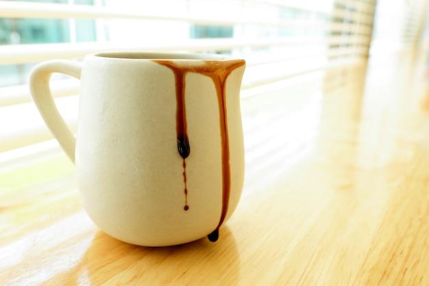 Tasse de sirop de chocolat