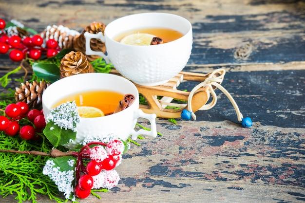 Tasse de thé au citron et décor