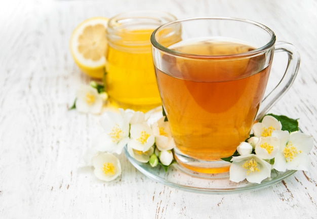 Tasse de thé au jasmin