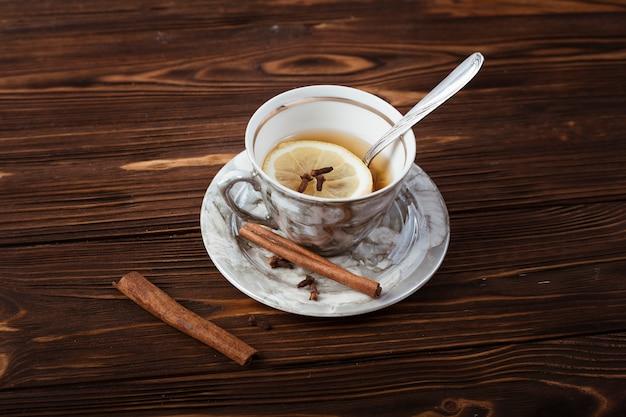 Tasse à thé élégante