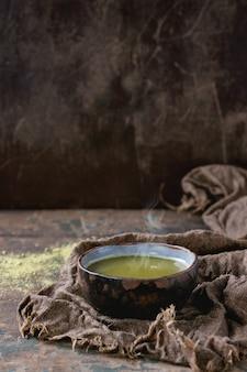 Tasse de thé matcha