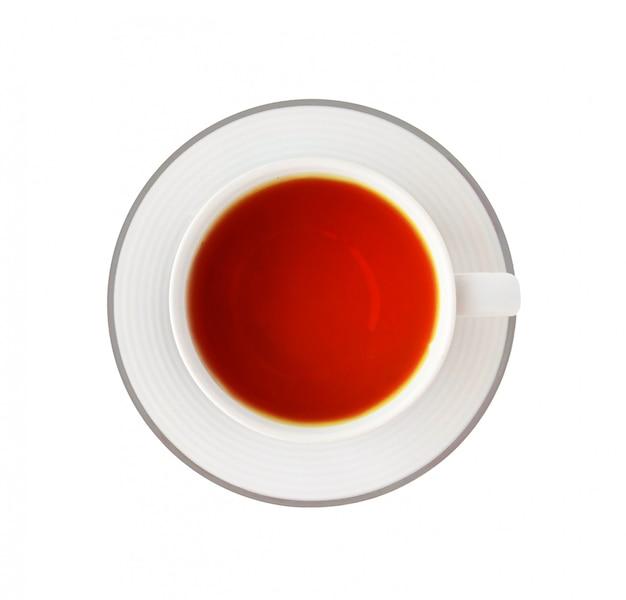 Tasse de thé noir sur blanc
