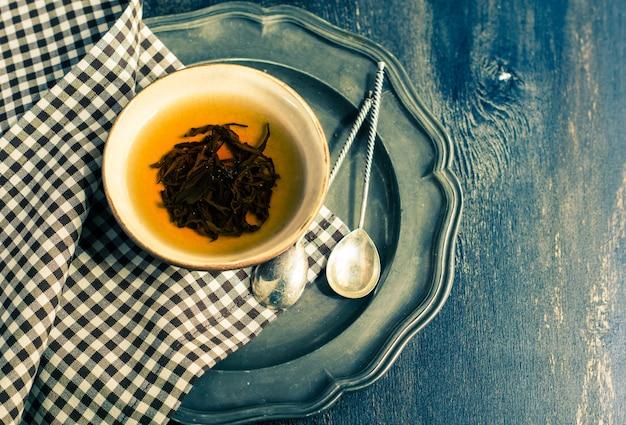 Tasse de thé noir