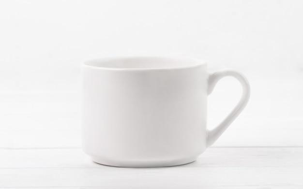 Tasse vide blanche