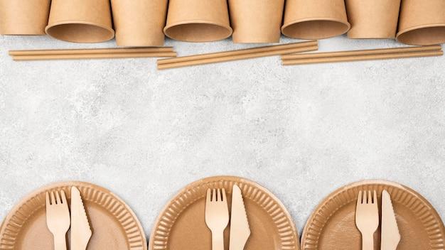 Tasses et assiettes jetables écologiques